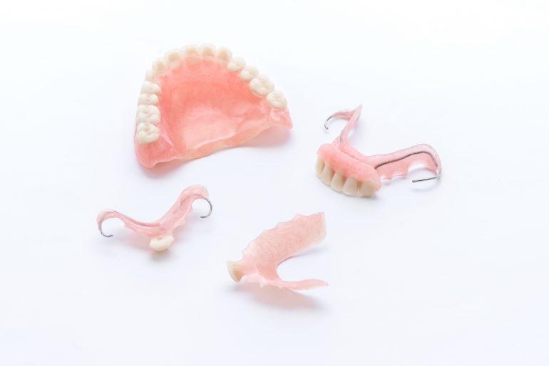 総義歯と部分義歯
